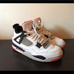 Air Jordan Retro 4 Light Crimson size 9.5